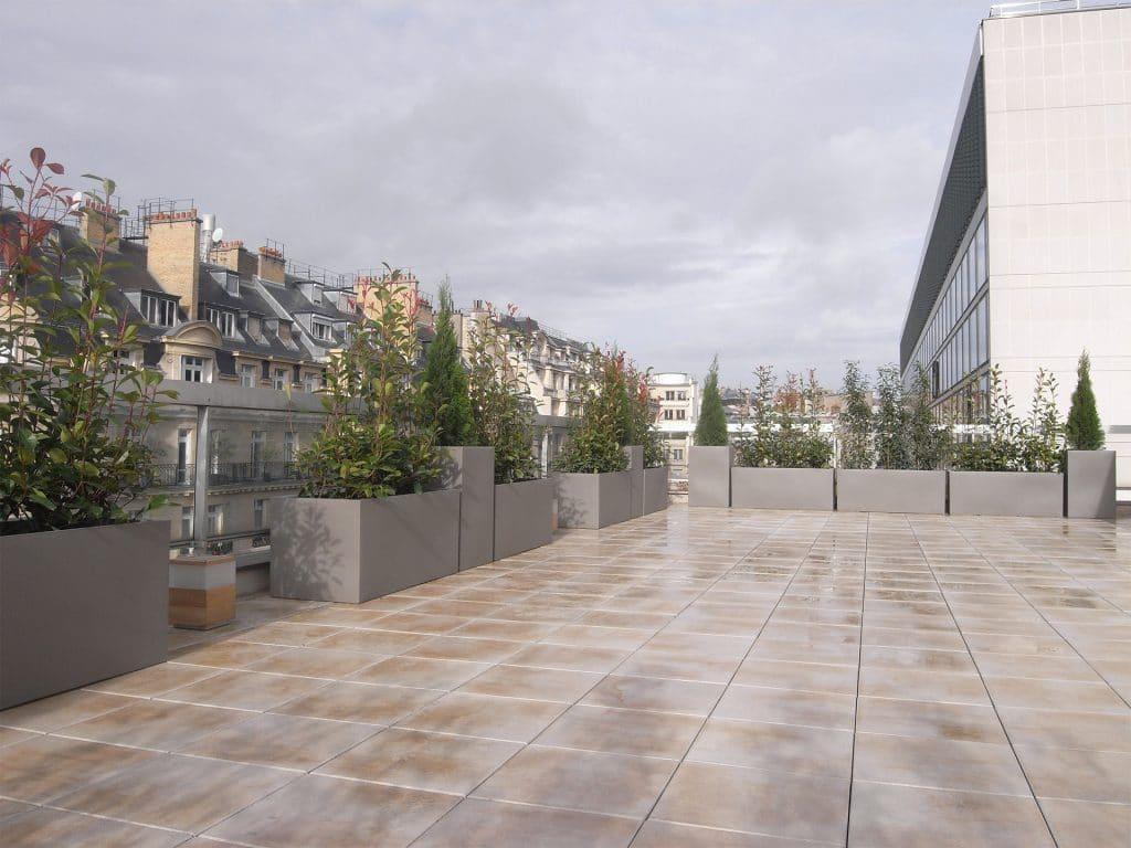 idée d'aménagement végétal pour terrasse d'entreprise