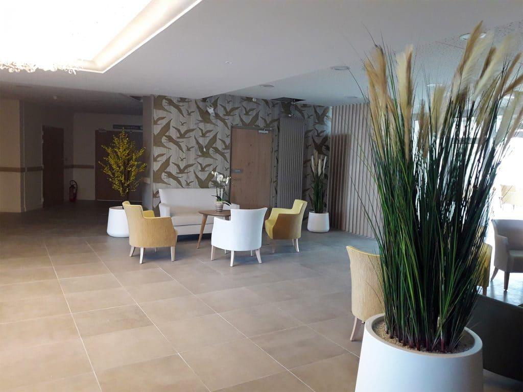décoration végétale d'un espace d'accueil grâce aux graminées