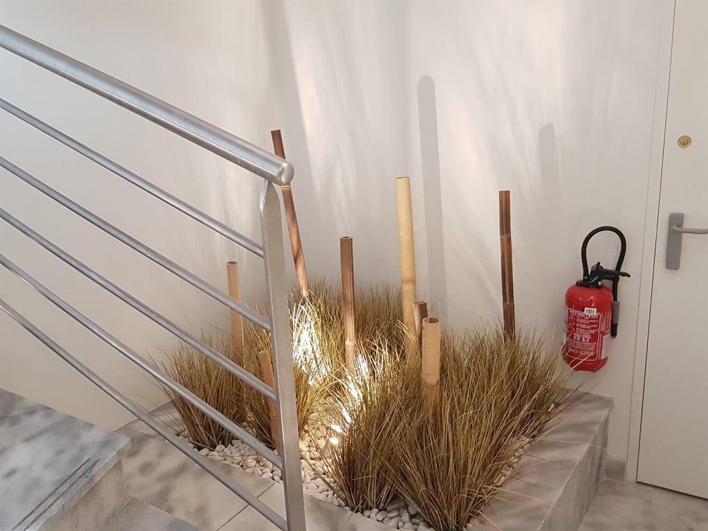 décor avec plantes artificielles