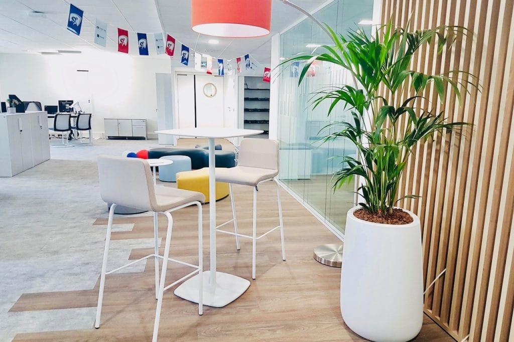 décor végétal en entreprise groupama